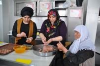 MEHTAP - Kızlar, Anneleriyle 'Muş Köftesi' Yarışmasına Katıldı