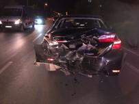 Sakarya'da İki Otomobil Çarpıştı Açıklaması 1 Yaralı