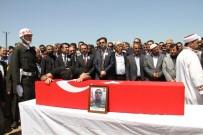 Şehit Er İlhami Çelebi'nin Naaşı Toprağa Verildi