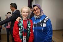 KOCAELISPOR - Tataristanlı Çocuklara Kocaelispor Atkılı Karşılama
