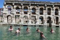 Yozgat Valisi'nin Antik Termal Havuz Keyfi