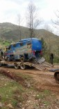 CEZAEVİ ARACI - 2 Asker Ve Şoförün Şehit Düştüğü Kazada Hurdaya Dönen Araç Çekildi