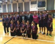 ÖMER ÖZKAN - Badminton'da Şampiyon Yakın Doğu Koleji