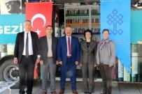 GEZİCİ KÜTÜPHANE - Gezici Kütüphaneden Vatandaşlara Hizmet