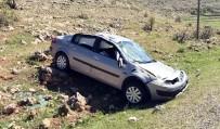 Midyat'ta Otomobil Şarampole Yuvarlandı Açıklaması 1 Ölü, 3 Yaralı