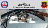 Muş'ta 10 Adreste Yapılan Aramalarda Silah Ve Mühimmat Ele Geçirildi