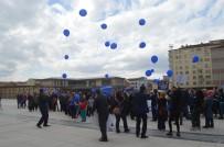 Otizme Dikkat Çekmek İçin Mavi Balon Uçurdular