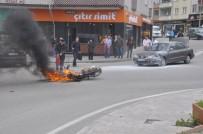 Otomobille Çarpışan Motosiklet Alev Alev Yandı