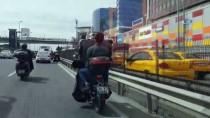ŞIRINEVLER - (Özel) İstanbul Trafiğinde Pes Dedirten Görüntü