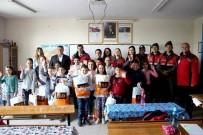 YENIYURT - Türk Kızılayı'ndan Öğrencilere Yardım