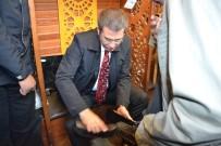 Bakan Canikli Vatandaşın Ayakkabısını Boyadı
