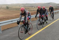 Bisiklet Takımları Kamp İçin Erciyes'i Tercih Ediyor