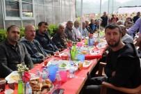 YEREL YÖNETİMLER - Çiçekçiler Başkan Yaşar'ı Ağırladı