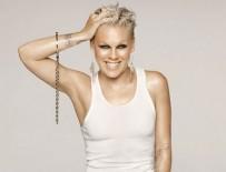 ANGELİNA JOLİE - 'Dünyanın en güzel kadını' Pink