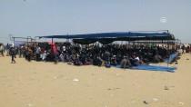 CUMA HUTBESİ - Gazzeliler, Cuma Namazını Sınırda Kıldı