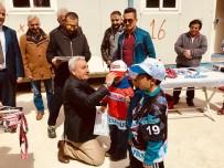 KAYAK SEZONU - Nisan Ayında Kayak Yapıp Madalya Kazandılar