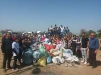 HATIRA FOTOĞRAFI - Öğrenciler Mesire Alanından 1 Kamyon Çöp Topladı