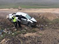 KOZLUCA - Otomobil Şarampole Yuvarlandı Açıklaması 1 Ölü, 4 Yaralı