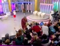 SHOW TV - Stüdyoda salatalığa böyle saldırdılar