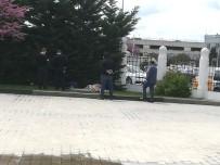 FÜNYE - Şüpheli Çantadan Battaniye Ve Yastık Çıktı