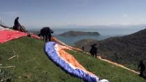 PARAŞÜTÇÜ - Van Gölü Semalarında Yamaç Paraşütü Keyfi