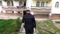 Aksaray'da Balkondan Düşen Kadın Öldü