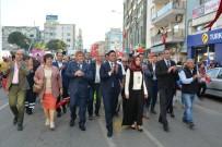 Aliağa'da Çocuk Festivali Şölen Havasında Başladı