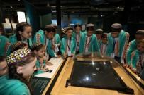 OPTİK İLLÜZYON - Dünya Çocukları Bilim Merkezi Ve Kağıt Müzesi'ni Gezdi