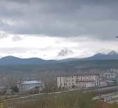 YAĞAN - Horasan'da Yüksek Kesimler Karla Kaplandı