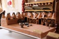 Minyatür Pastalar Vatandaşların Beğenisine Sunuldu