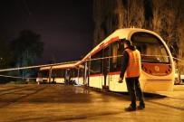 Samsun'da Tramvay Araca Çarptı Açıklaması 1 Yaralı