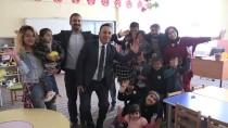 YÜZÜNCÜ YıL ÜNIVERSITESI - Teröristlerin Yaktığı Okulu Üniversite Öğrencileri Güzelleştirdi