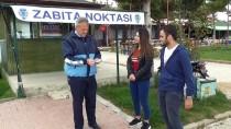 BANKA ŞUBESİ - Üniversite Öğrencileri Yolda Buldukları Parayı Zabıtaya Teslim Etti