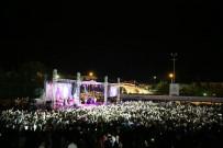 ALTINŞEHİR - Buray Konseri Büyük İlgi Gördü