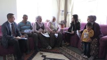 AHMET SELÇUK İLKAN - Çocuk Yaşta Evliliğe Karşı Kapı Kapı Dolaşıyorlar