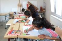 EDREMİT KÖRFEZİ - Genç Ressamlar Ayvalık'ta Yarıştı