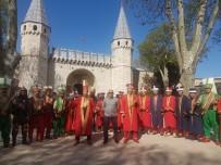 KAHRAMANLıK - Gürsu Ayyıldız Mehteran Takımı, Topkapı Sarayı'nda Kalpleri Fethetti