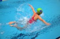 YÜZME YARIŞI - Minik Yüzücüler 23 Nisan İçin Yarıştı