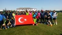 Bandırmasporlu Futbolcuları Çocuklar Çalıştırdı