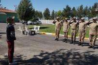 GAZİ YAKINLARI - Batman'da Gazi Ve Şehit Çocukları 23 Nisan'ı Askerlerle Kutladı