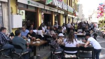 TAVA CİĞERİ - Çocuklar Gibi Ciğerciler De 'Bayram' Yaptı