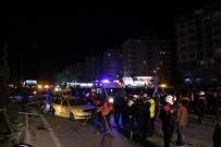 ELEKTRİK DİREĞİ - Düğün konvoyunda zincirleme kaza: 22 yaralı