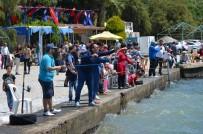 Milas'ta Aileler Çocuklarıyla Balık Tuttu