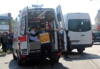 Minibüs Dolmuşa Çarptı Açıklaması 13 Yaralı