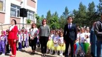 AHMET GAZI KAYA - Şehit Babası Oğlunun Adının Yaşatıldığı Okulda Törene Katıldı