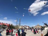 ULUSAL EGEMENLIK - Uçurtmalar 23 Nisan'da Sarıkamış Semalarını Süsledi