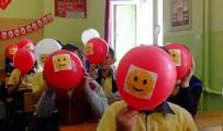 FİLM GÖSTERİMİ - Uşak'ta 'Aile İçi İletişimsizlik' Konulu Sosyal Sorumluluk Kampanyası Gerçekleşti