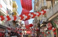 ULUSAL EGEMENLIK - Uşaklı Esnaf 23 Nisan'ı Sokağı Süsleyerek Kutladı