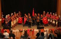 ÇOCUK KOROSU - Belediyenin Çocuk Korosu Ve Halk Oyunları Ekibi Doldurdu