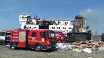 RUSYA - Karaya Oturan Gemide Yangın Çıktı